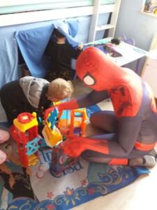 Kindergeburtstag mit Spider Hero WhatsApp Image 2017-04-01 at 16.33.17