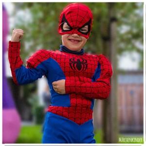 Kleiner Spider-Man auf einem Kindergeburtstag in Hamburg